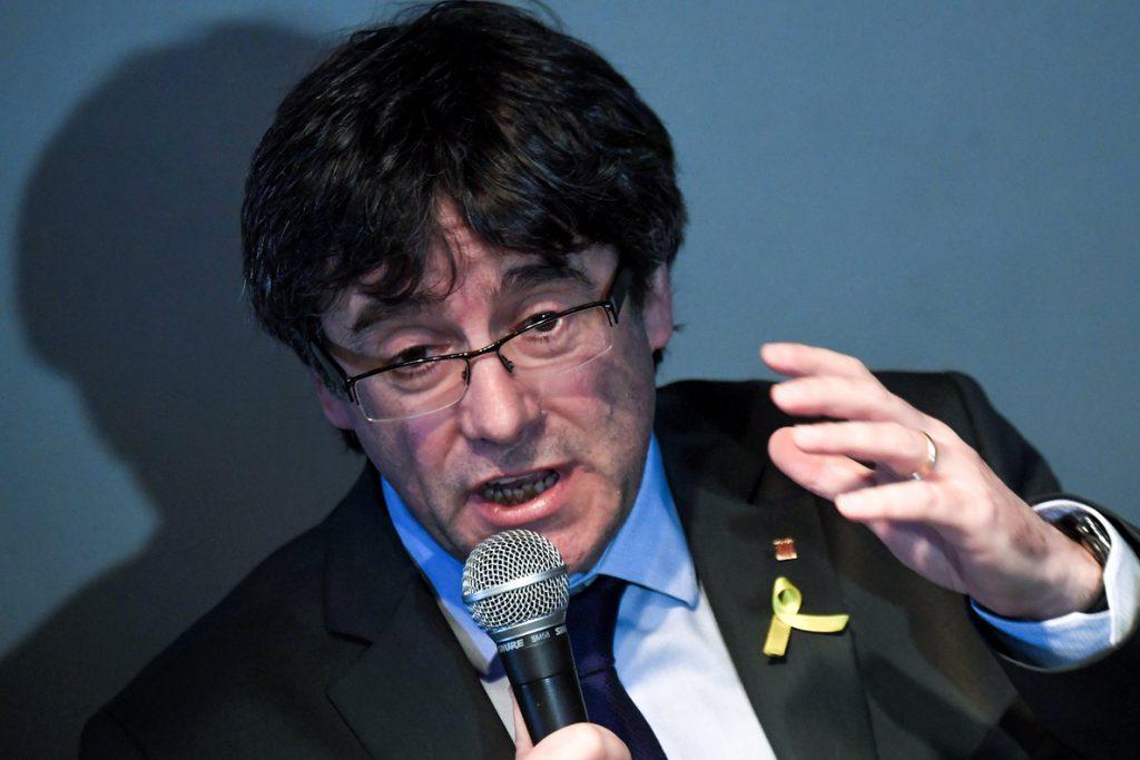 Puigdemont critica el cese de la jefa de comunicación de los Mossos y la vincula al 155