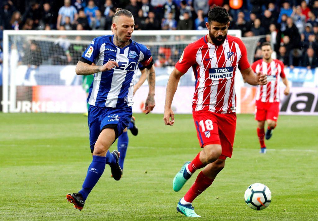 Un gol de penalti de Gameiro reafirma al Atlético en la segunda plaza (0-1)