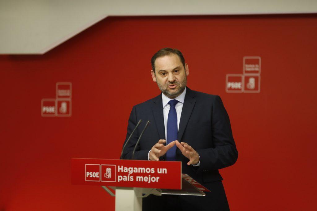 Ábalos (PSOE) adelanta que el PSC presentará una candidatura netamente socialista en Barcelona, sin fichajes importados