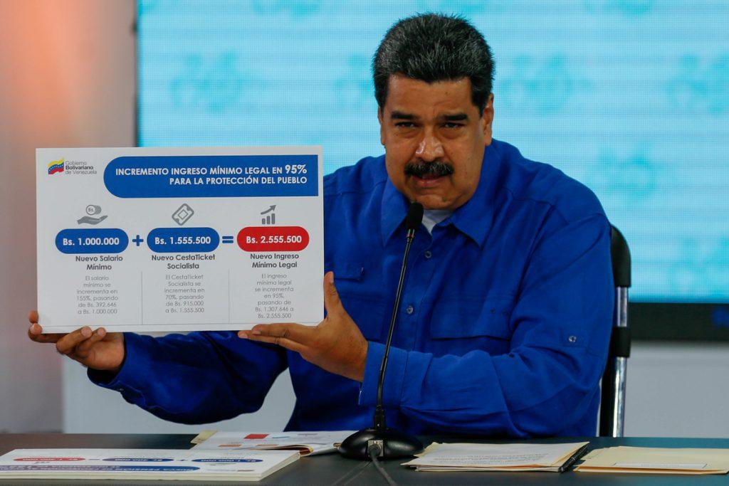 Maduro sube salario mínimo integral un 95 % que se mantiene en 37 dólares