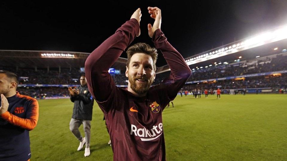 Recogen firmas para que el FC Barcelona vaya a Berlín a ofrecer sus títulos a Puigdemont