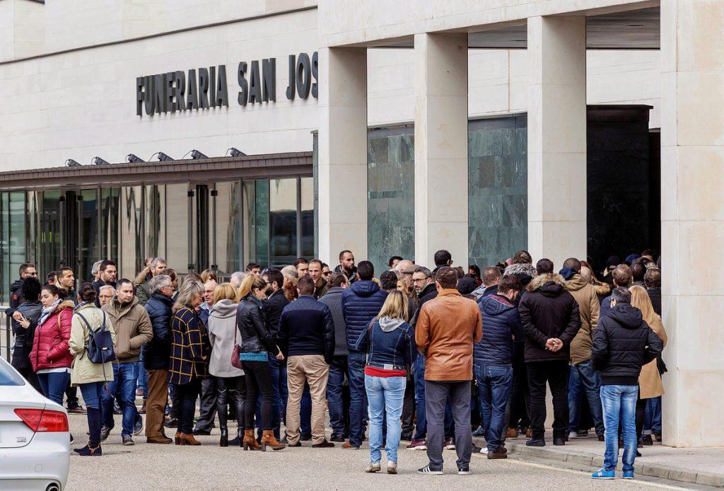 Familiares y amigos despiden a la mujer asesinada por su expareja en Burgos