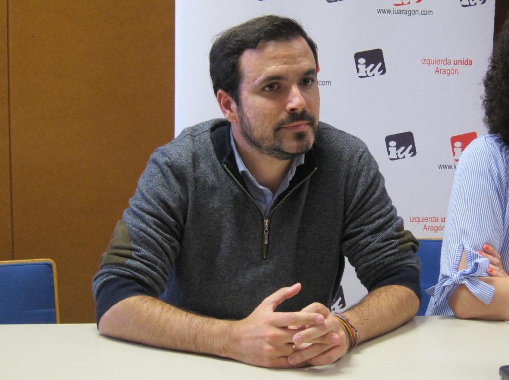 Garzón califica de «falsos» los rumores que apuntan a una disolución de IU y pide reflexión a los críticos