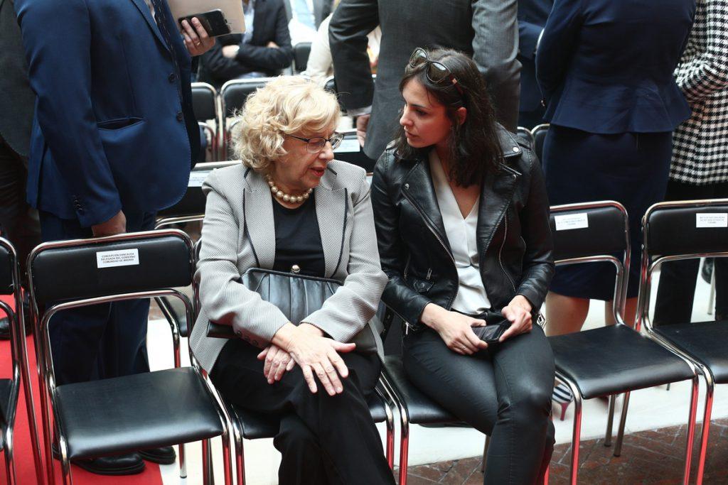 Carmena, en la Fiesta del Dos de Mayo: «Las instituciones son capaces de dar la talla aunque no estén las personas»