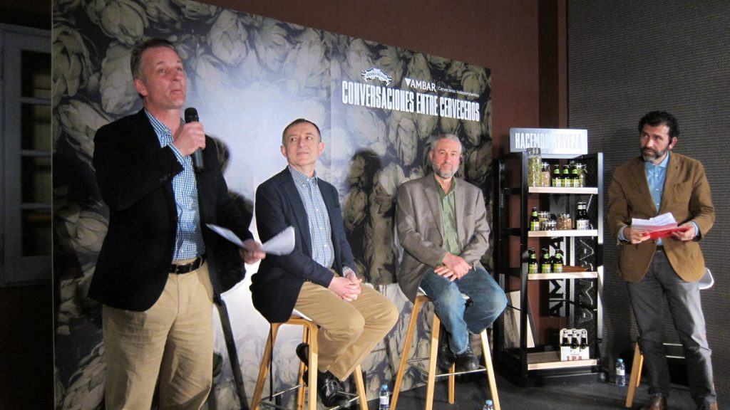 Expertos sostienen, en un encuentro en el Espacio Ambar, que existe mercado para cervezas más creativas