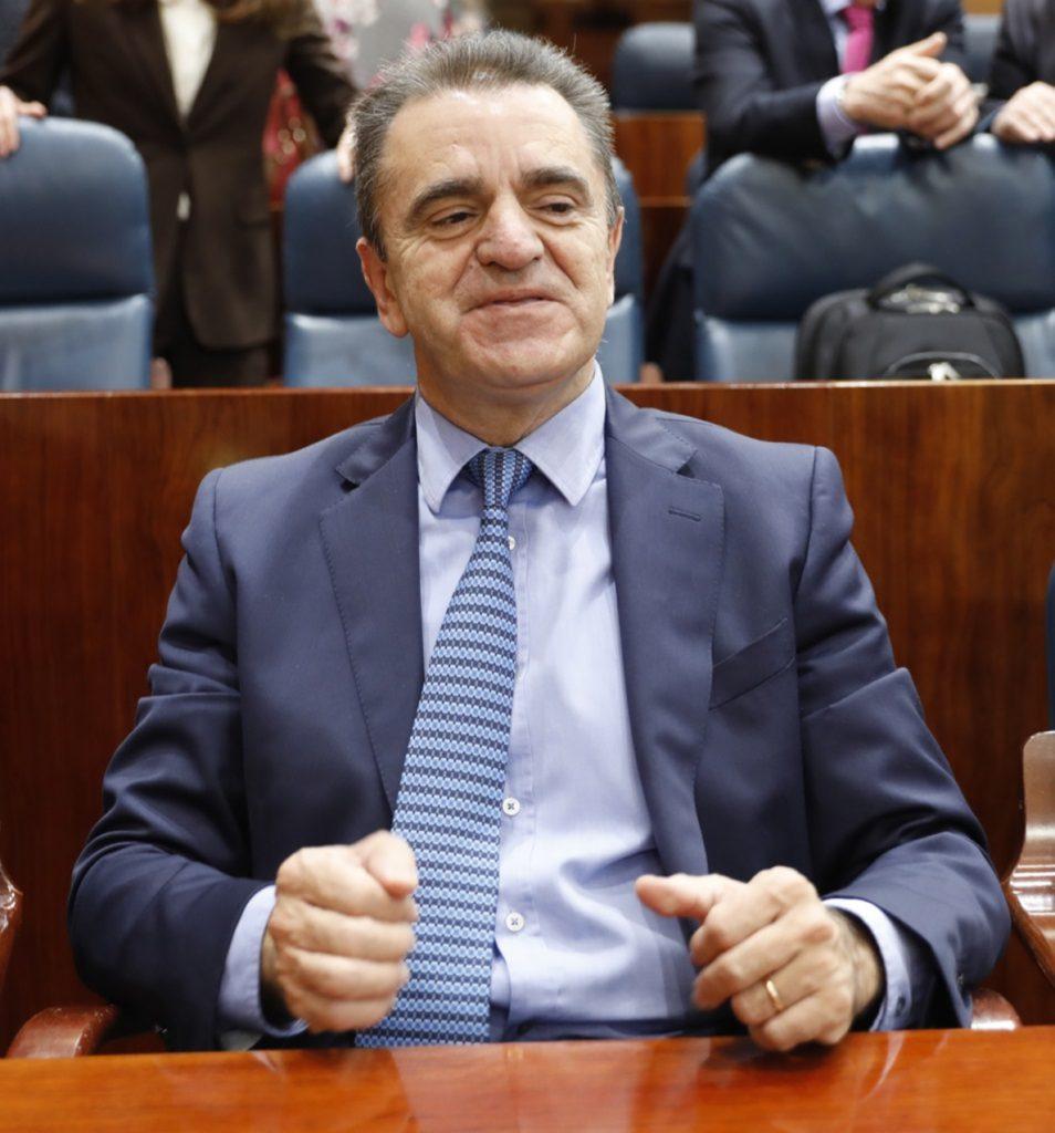La Mesa de la Asamblea permite el acceso a los documentos originales presentados por Franco sobre su currículum