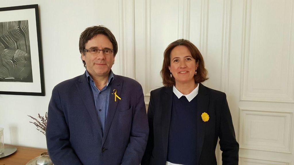 Puigdemont y la presidenta de la ANC se reúnen en Berlín y coinciden en que debe hacerse efectiva la república catalana