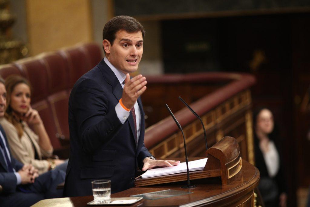 Rivera quiere que Rajoy explique en el Congreso por qué no recurre que el Parlament deje votar a los diputados prófugos