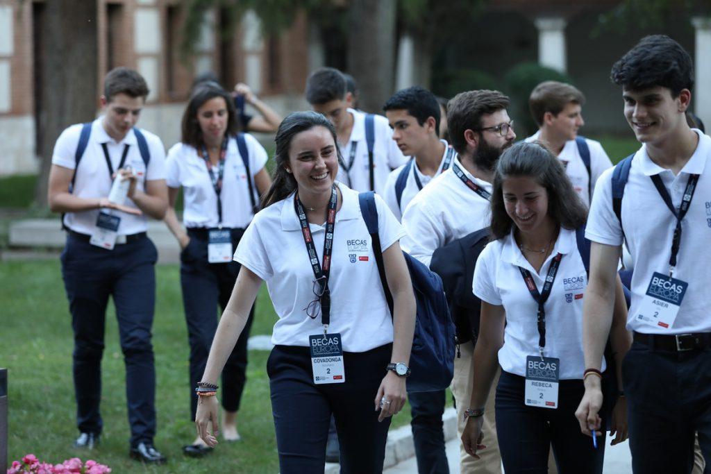 Las Becas Europa de la Universidad Francisco de Vitoria y Santander Universidades premian a 50 estudiantes españoles