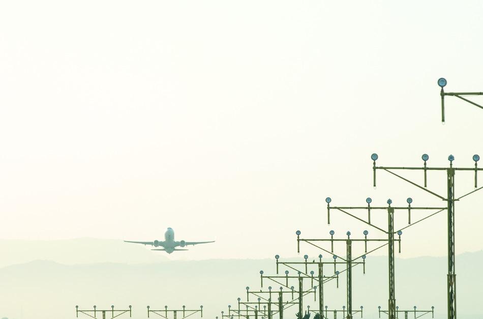 El tráfico aéreo mundial de pasajeros aumentó un 9,5% en marzo, según la IATA