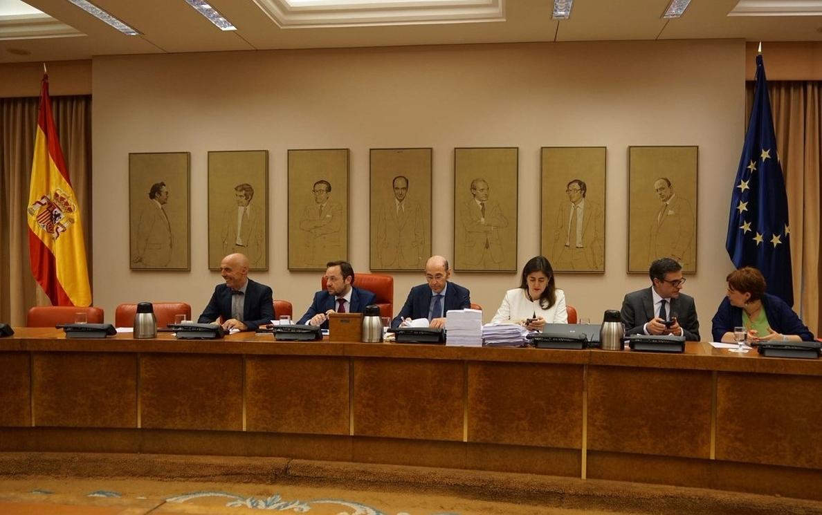 (AMP) El Gobierno veta 250 enmiendas a los Presupuestos 2018, aunque salva la subida de pensiones del PNV