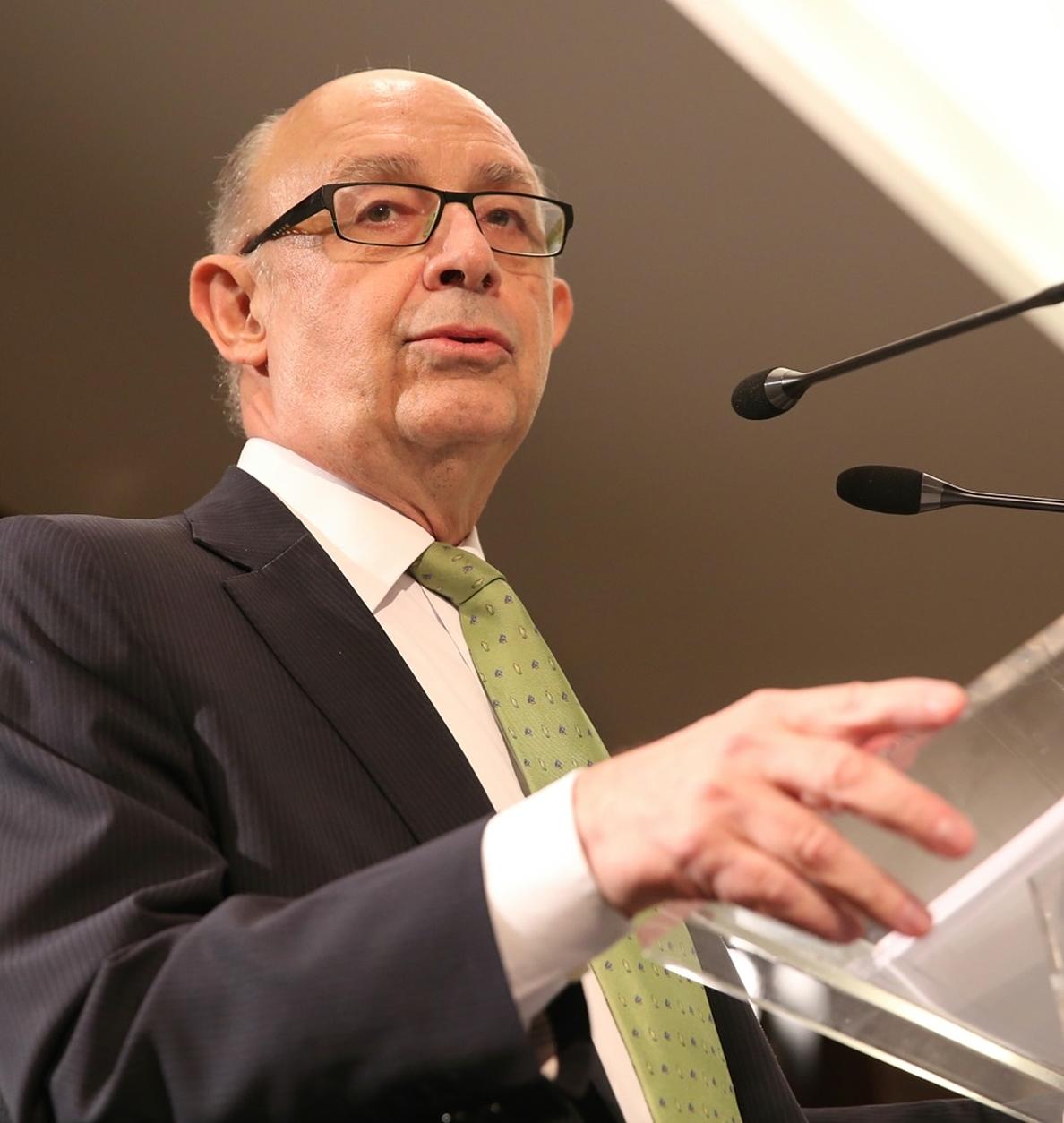 El Gobierno afirma que España se ve «mucho menos afectada» por el alza del petróleo que antes