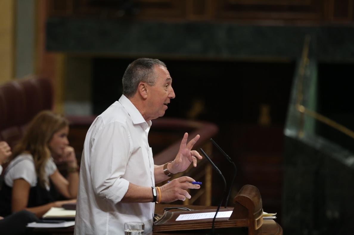Compromís lamenta que el PSOE entre en la «batalla» con PP y Cs para demostrar quién es más constitucionalista