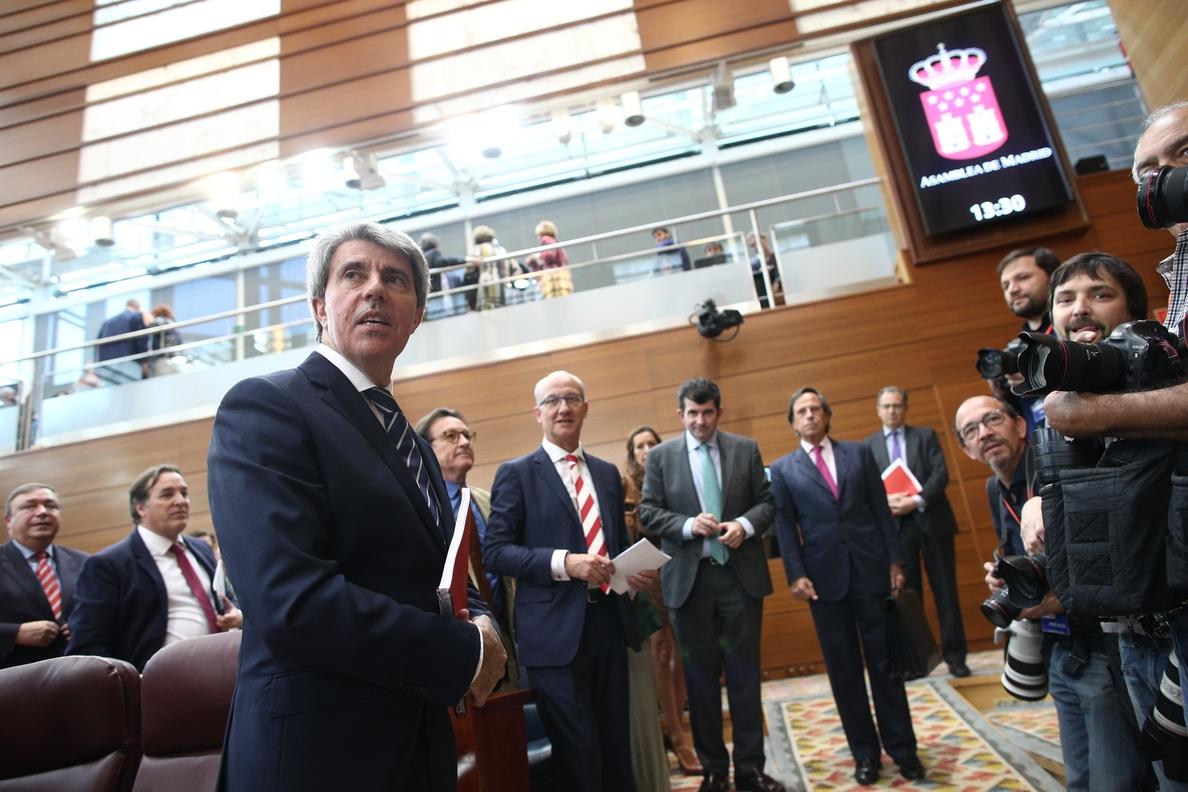 Garrido se propone, «como Suárez», gobernar desde el centro sin perder las señas de identidad del PP
