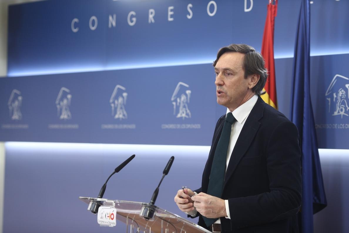 El PP pide «coherencia» a Pablo Iglesias y ve «mucha hipocresía en quienes critican los chalés cuando son de los demás»