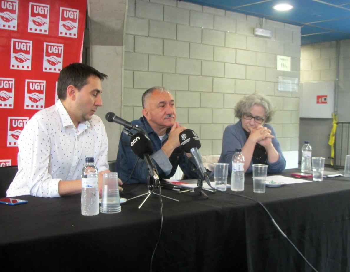 Álvarez (UGT) ve «fundamental» salarios de al menos 1.000 euros en la negociación de convenios