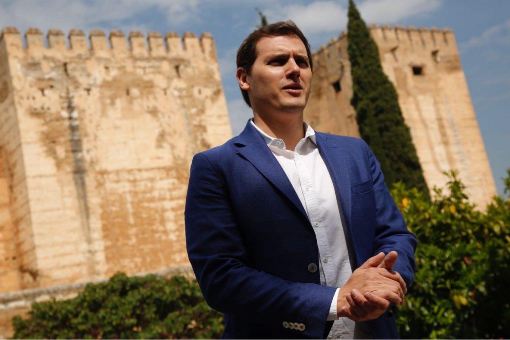 Rivera lamenta que la corrupción surja en «lugares inconcebibles» como en la Alhambra o la Universidad