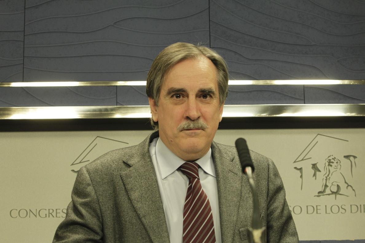Valeriano Gómez dice que «no hay ninguna razón» por la que no se puedan subir las pensiones con el IPC