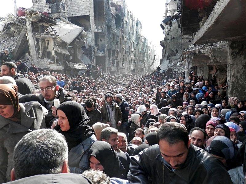 Activistas sirios denuncian que el Gobierno ha alcanzado un acuerdo de evacuación con Estado Islámico en Yarmuk