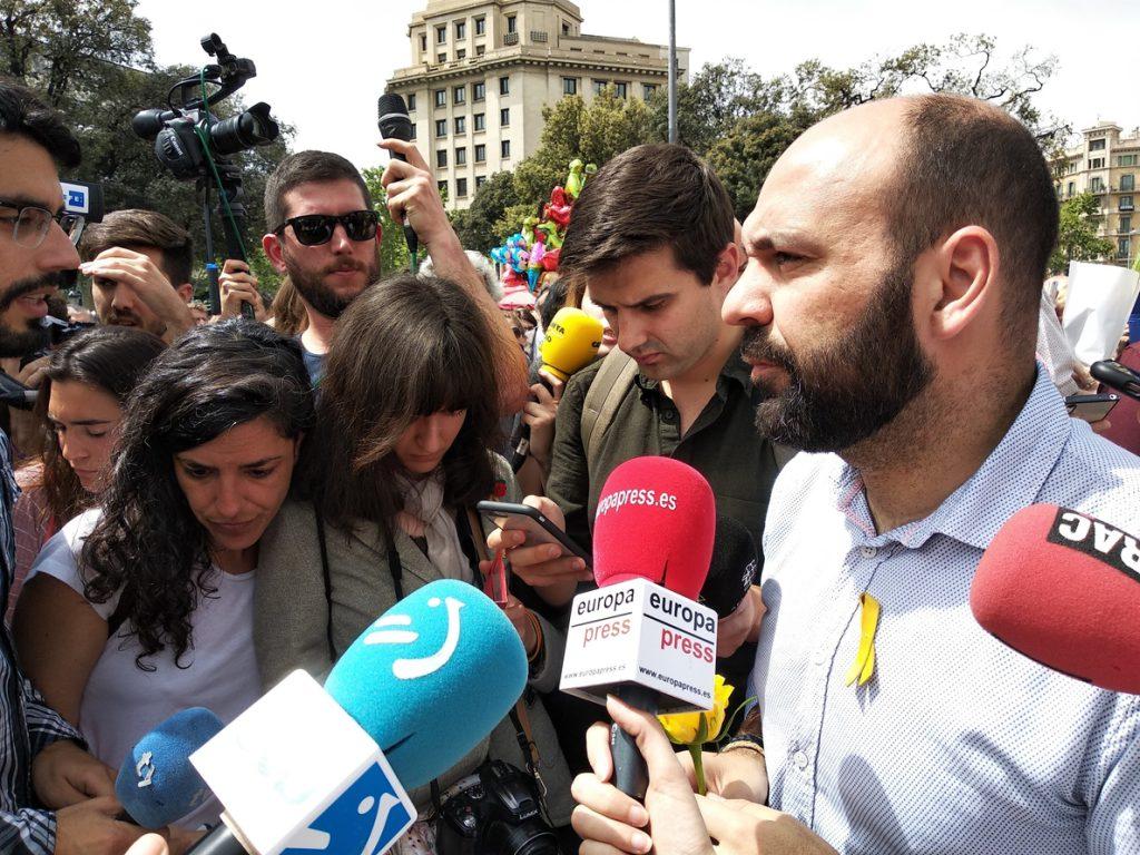 Òmnium pide una «respuesta democrática unitaria» ante la permanencia del 155