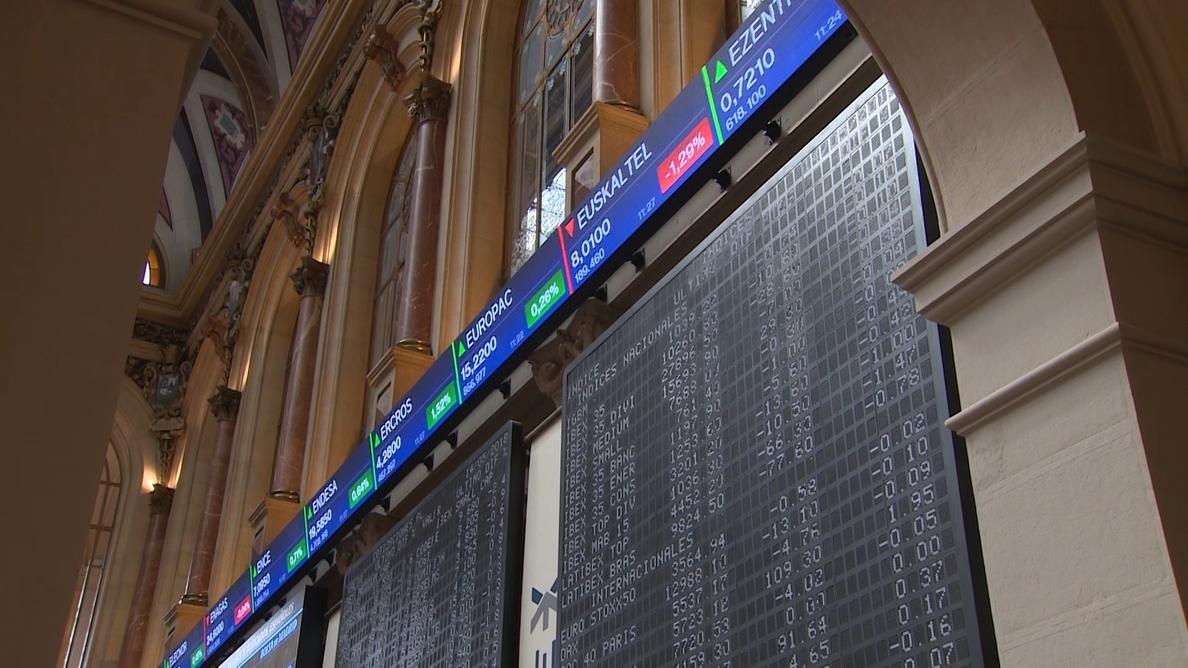 El Ibex empieza la semana en positivo, pero modera su subida al 0,23% a mediodía