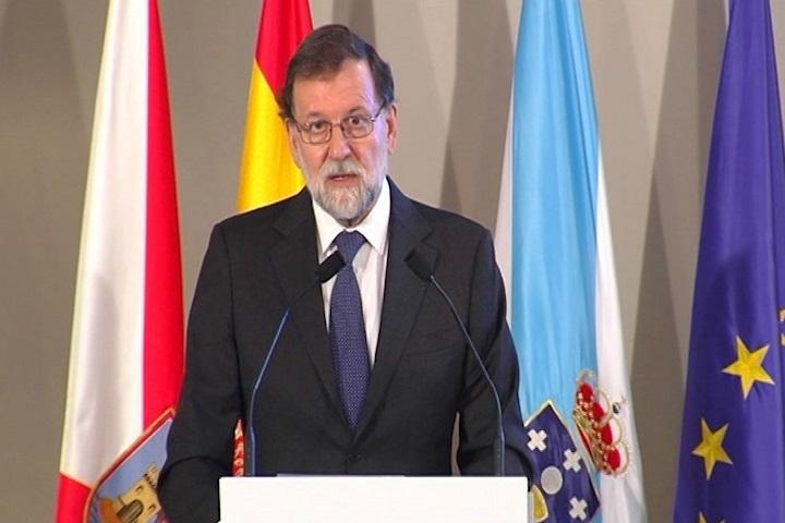 Rajoy dice que las perspectivas económicas son «favorables» pero avisa del posible impacto del alza del crudo