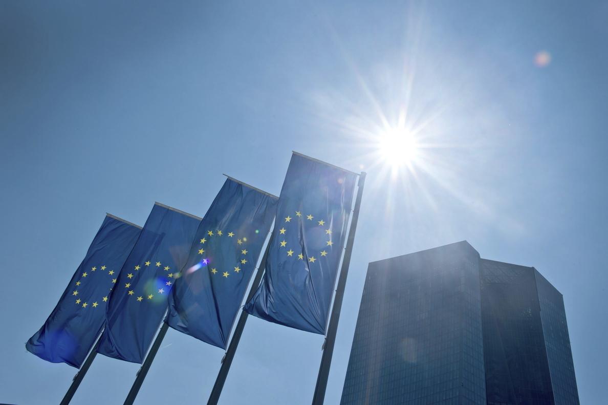 Bruselas propone el reconocimiento automático de Bachillerato y universidad en la UE