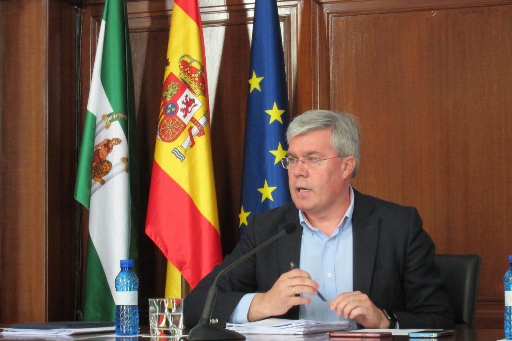 El PP de Jaén confía «plenamente» en la gestión de Fernández de Moya y lamenta que se intente «desgastar» su figura