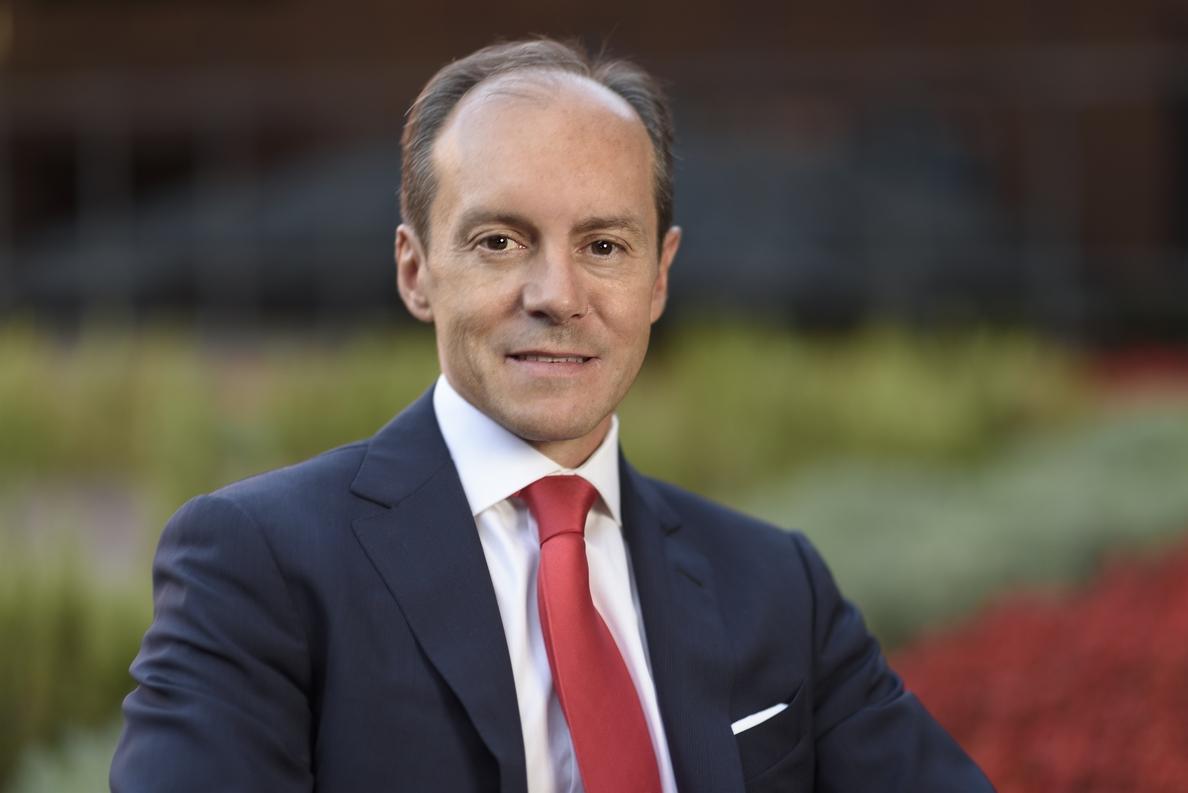 Aboukhair (Santander) cree que la digitalización proporcionará a la banca mayor cercanía con el cliente
