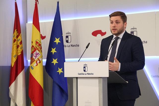 C-LM tacha de «mentira» que Rajoy se reúna con presidentes regionales y dice que Cospedal le prohíbe recibir a Page