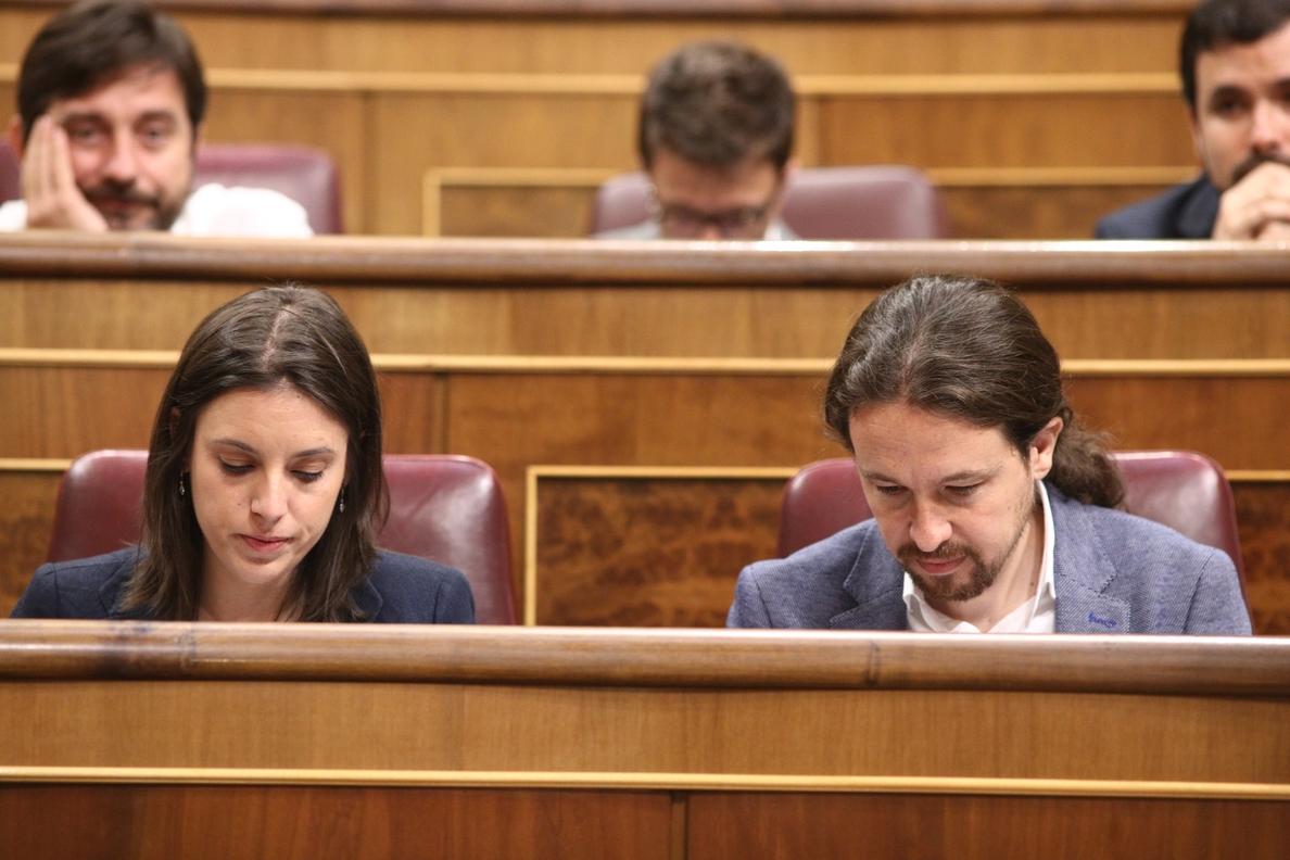 Iglesias y Montero se comprometen a dimitir si la participación de la consulta es «baja»