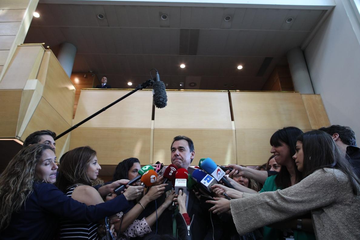 Maillo dice que Zaplana «pertenece al pasado» y que el PP actuó rápido porque está en «la batalla» contra la corrupción