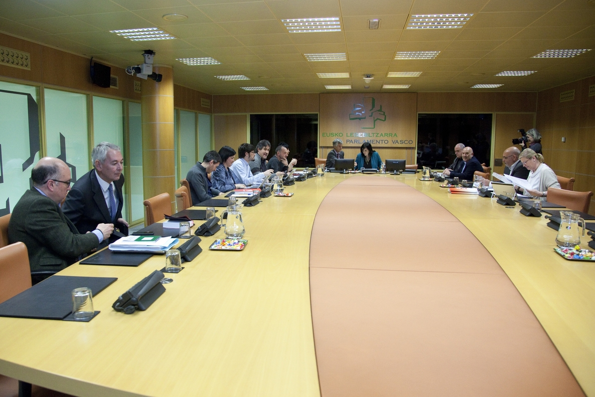PNV y EH Bildu acuerdan que Euskadi acceda a una relación «confederal» con España y derecho a decidir