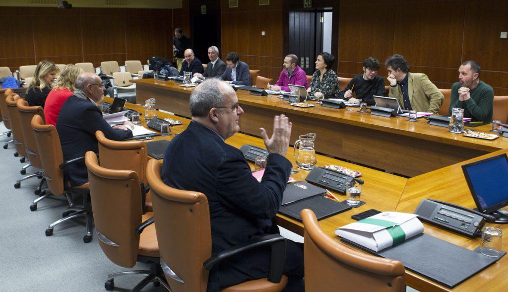 PNV y EH Bildu plantea que se reconozca «la nacionalidad vasca» a la ciudadanía de Euskadi según se establezca por Ley