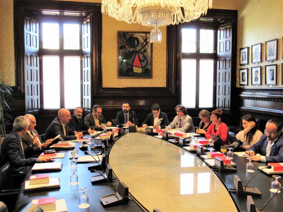 El Parlament da siete días a ERC para justificar la delegación de voto de Comín