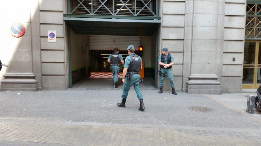 Zaplana abandona la sede de Telefónica tras registrar la UCO su despacho durante más de dos horas