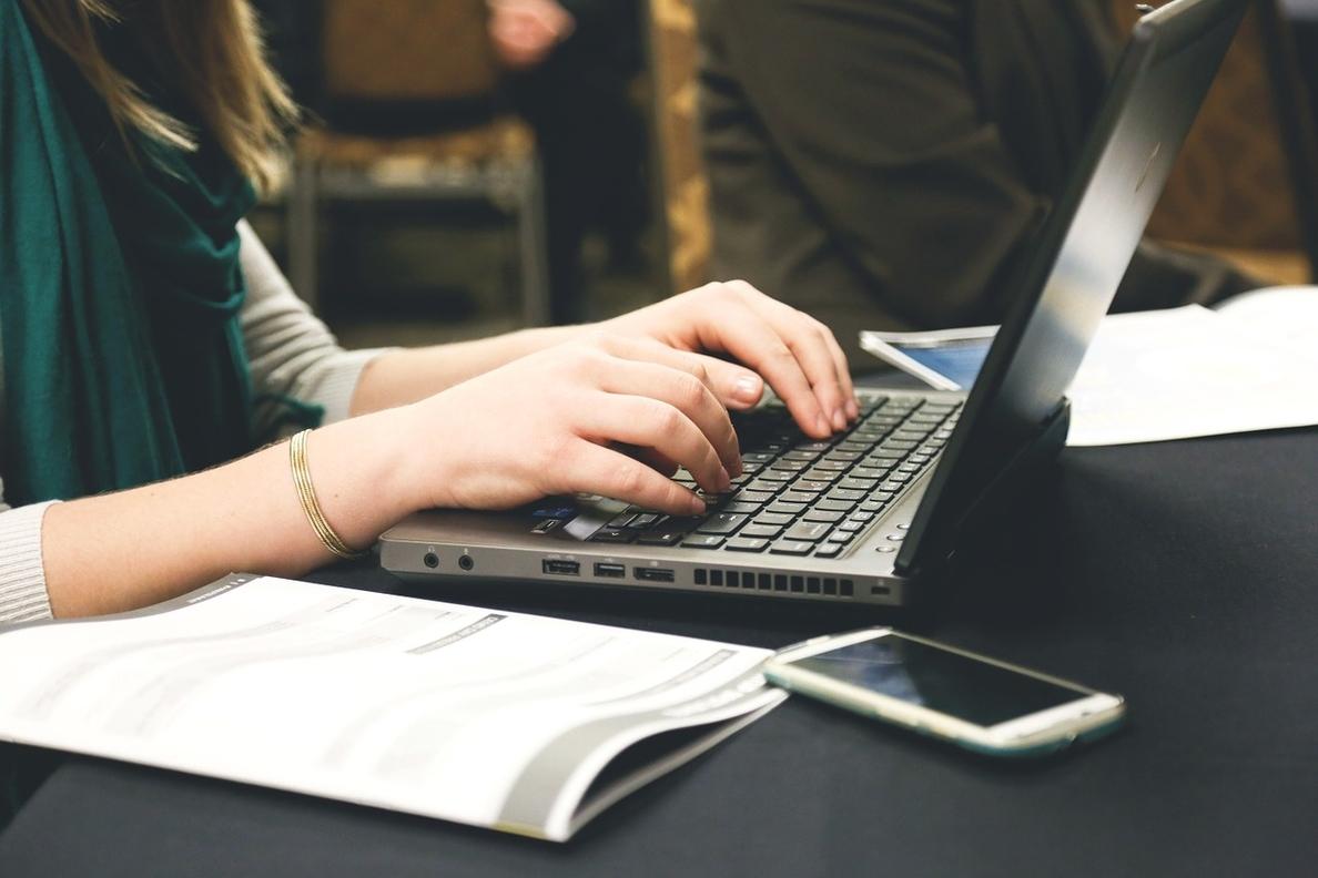 La oferta de puestos directivos para Internet crece un 34% y supone más de la mitad del nuevo empleo