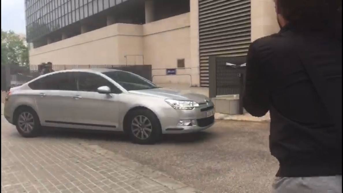 Zaplana llega a la Ciudad de la Justicia de València para declarar por la »Operación Erial»