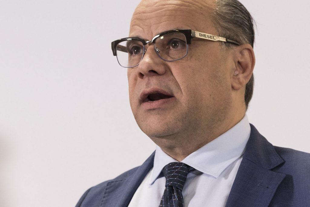 Barragán (CC) dice que la censura crea «más inestabilidad» en España y cree que Sánchez busca «salir en la foto»