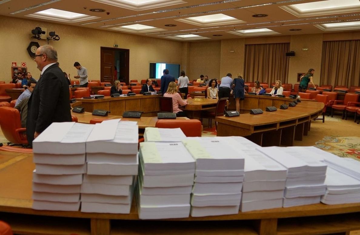 ERC pide digitalizar la documentación presupuestaria en el Congreso y evitar así imprimir millones de páginas