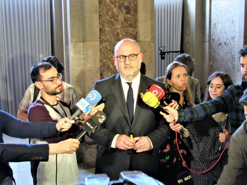 JxCat pone en duda apoyar la moción de Sánchez tras «insultar al presidente de Cataluña» al compararlo con Le Pen