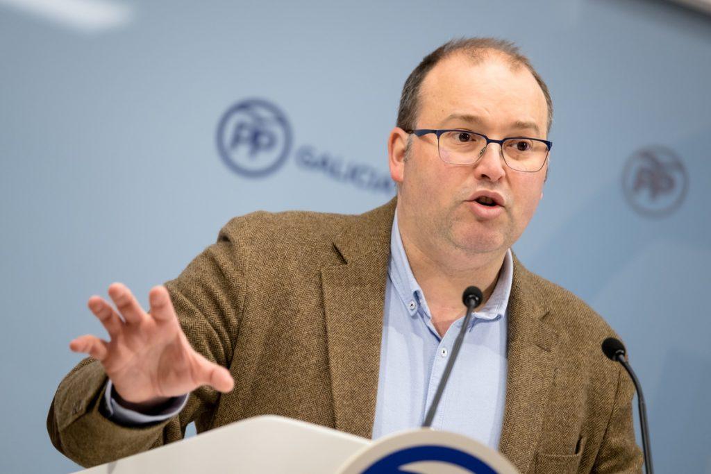 El PPdeG cree que hay que «pedir disculpas», pero respalda a Rajoy: «Nadie puede dudar de su honradez»