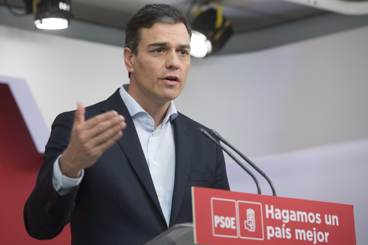 Sánchez defiende un «Gobierno del PSOE» transitorio antes de convocar elecciones
