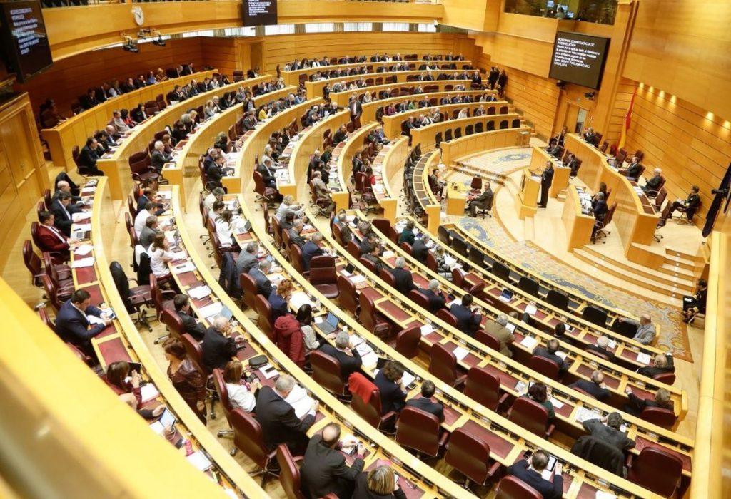 El Senado, ajeno a la moción de censura, recibirá los Presupuestos el martes y los aprobará en tres semanas