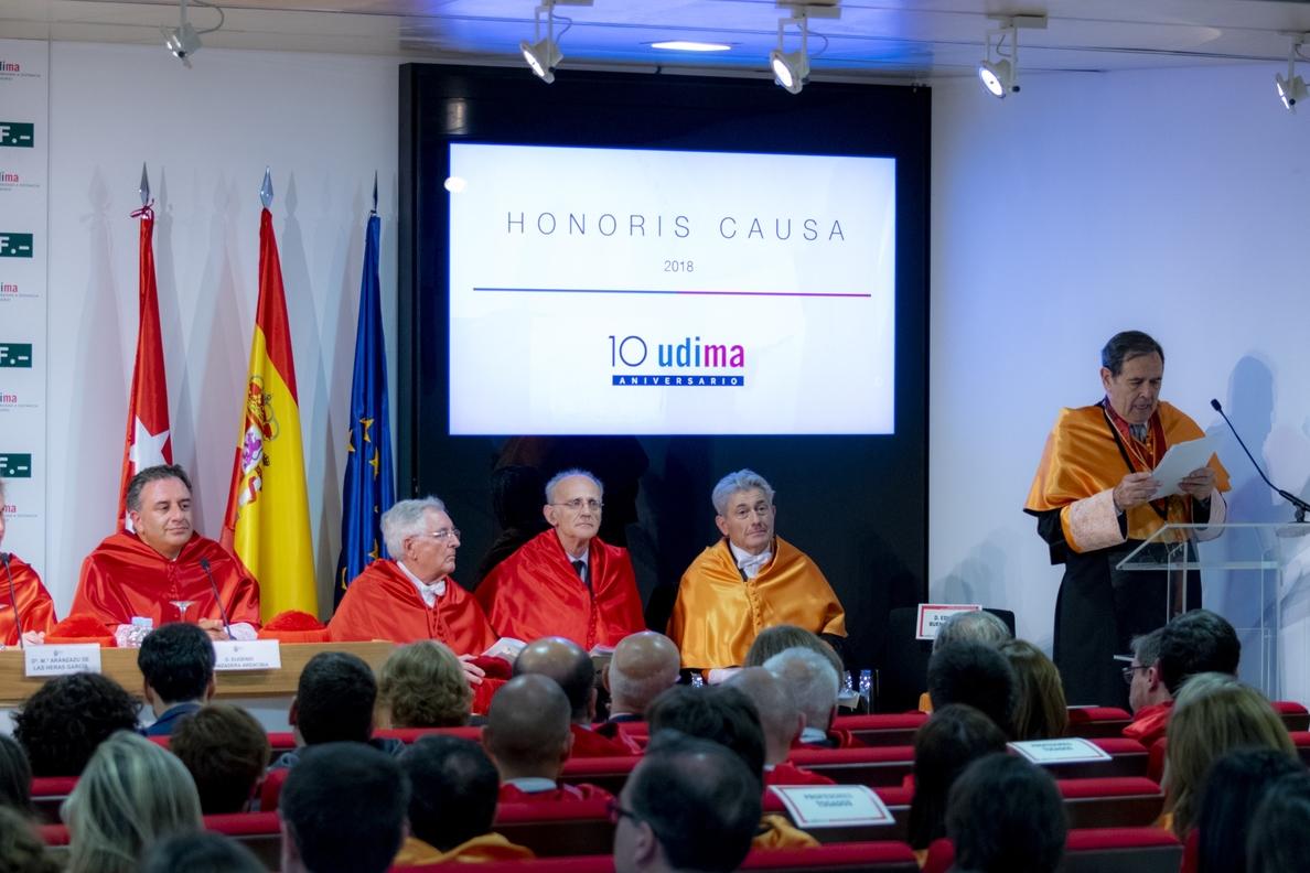 Los economistas Valentín Pich y Eduardo Sanz Gadeo, investidos Doctores Honoris Causa por la Udima