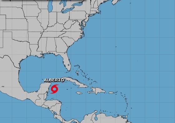 Florida declara el estado de emergencia a medida que la tormenta tropical 'Alberto' se aproxima a su costa