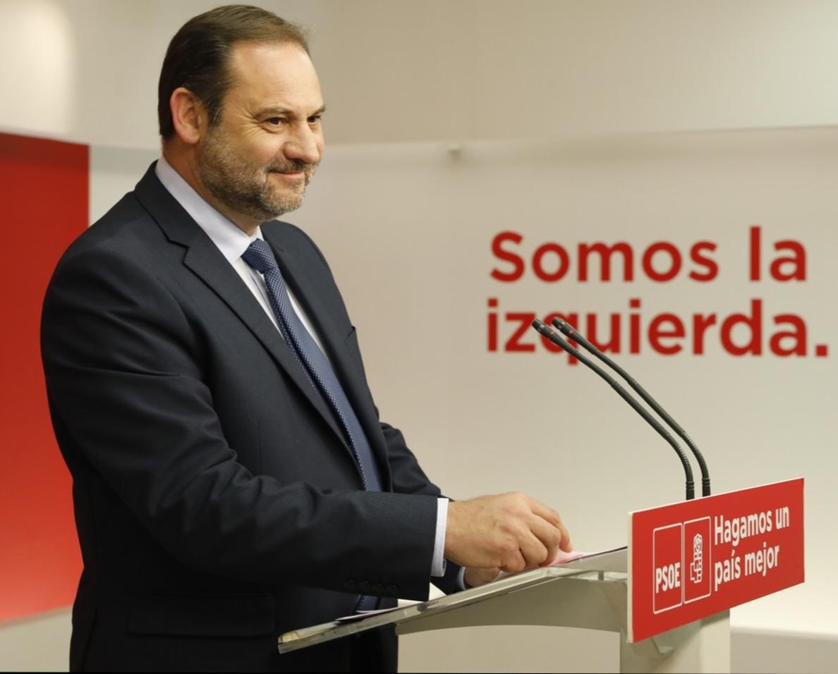 Ábalos (PSOE) asegura que hablará de la moción con los distintos partidos «aunque sea por cortesía parlamentaria»