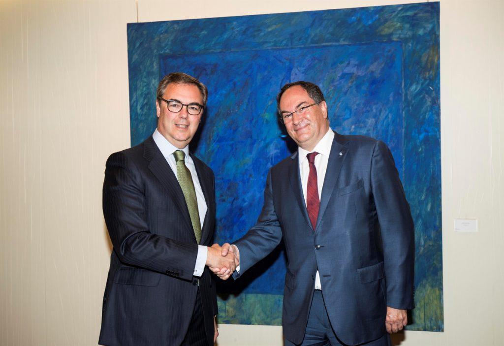 Bankia y Crédit Agricole crean un joint venture de crédito al consumo para operar en España