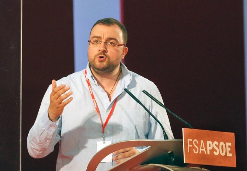 Barbón (FSA) recuerda a Ciudadanos que un 'no' o una 'abstención' es votar para que Rajoy siga en la Moncloa