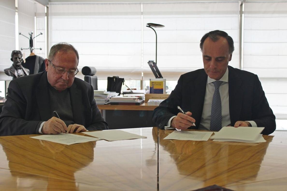 CaixaBank y la Cámara de España firman un convenio para mejorar la financiación de las cámaras de comercio